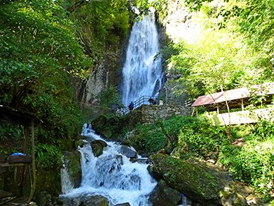 1_Махунцети-водопад